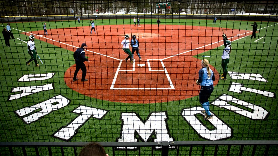 dartmouth-softball-game