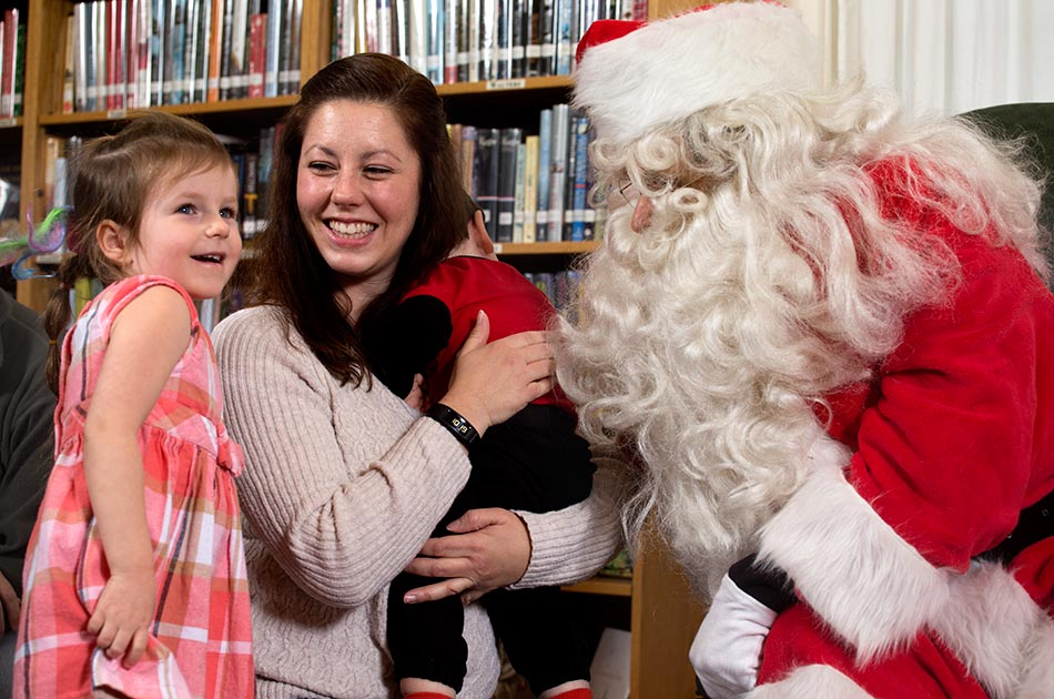 santa-tunbridge-vt-public-library-002